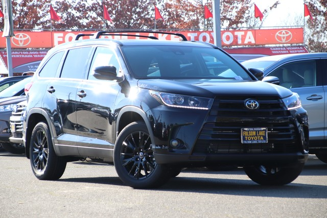 New 2019 Toyota Highlander SE V6 AWD