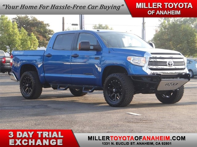 Certified Pre-Owned 2016 Toyota Tundra 4WD Truck SR5* LOTS OF EXTRAS !!!