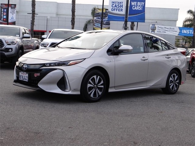 Certified Pre-Owned 2018 Toyota Prius Prime Upgrade
